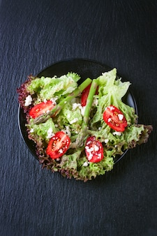 Lettuce salad with tomatoes