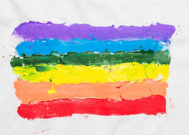 手で描かれたlgbtの旗