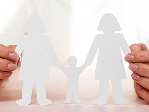 Lgbt концепция семьи с тенями