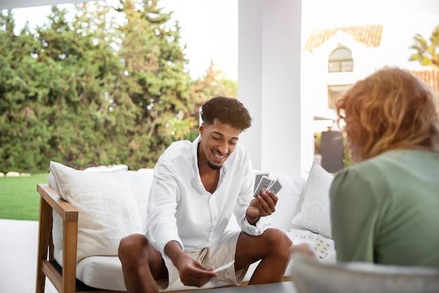 La vita a casa con la lettura dei giovani adulti