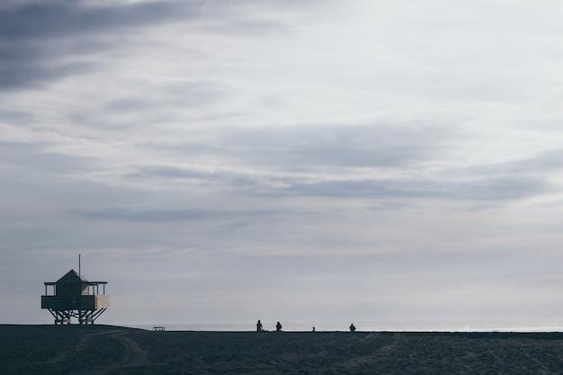 ライフガードタワー