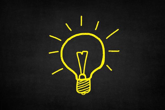黄色で描かれた電球