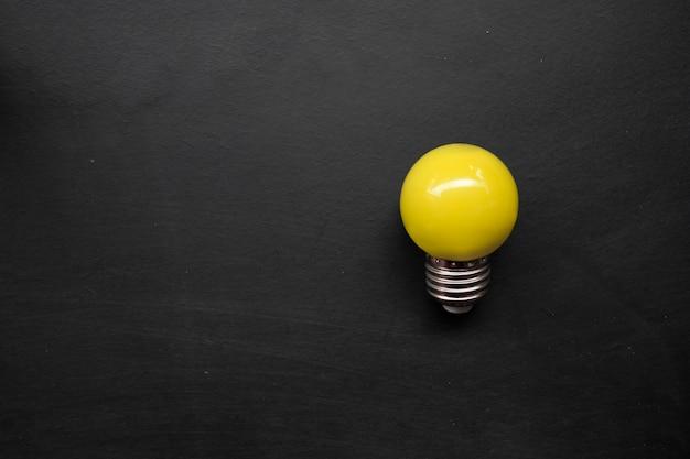 黒板の電球