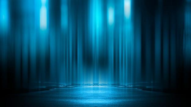 光の効果、ぼやけています。濡れたアスファルト、街の夜景、コンクリートの床でのネオンの反射