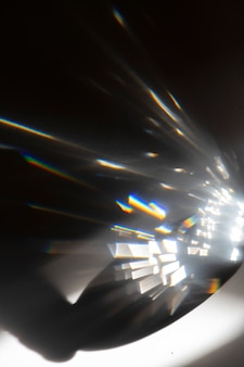 검정색 배경에 빛샘 효과