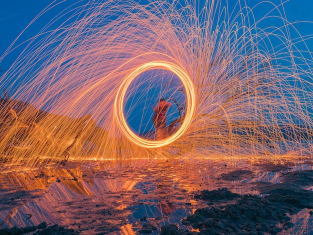 Light lines of steel wool with long exposure