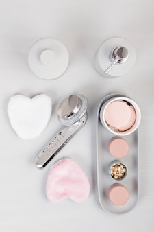Light pgray ceramic acessories for bath