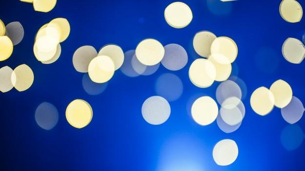 青い閃光の光の斑点