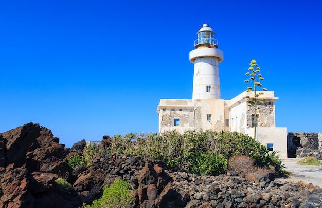 パンテレリア島の灯台