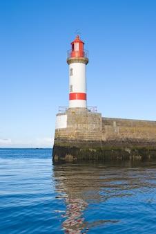 防波堤の灯台