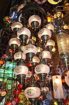 Огни на большом базаре в стамбуле, турция