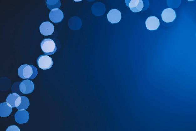 Светится синим