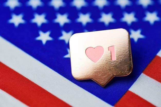 アメリカの国旗のシンボルのように。アメリカの国のように