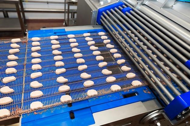 半製品の肉製品の生産ライン
