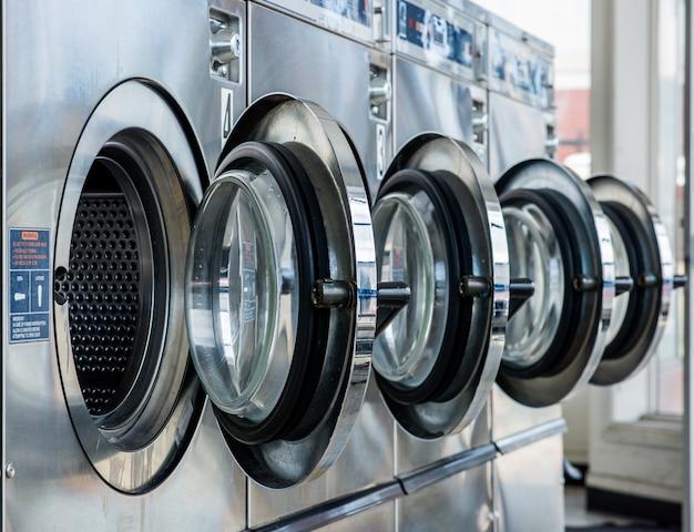 店内の洗濯物のライン