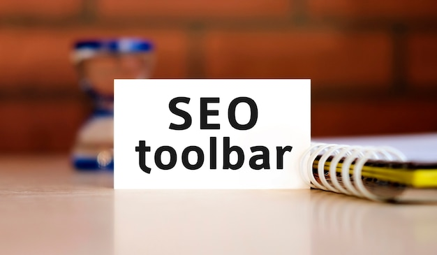 Link seo toolbar - text n white sheet with notepad and hourglass