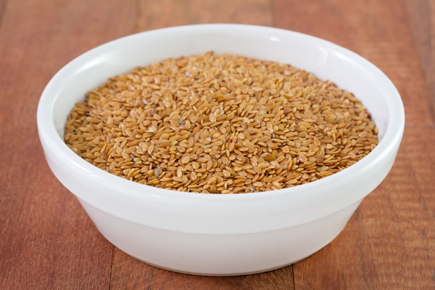 Linseeds in bowl