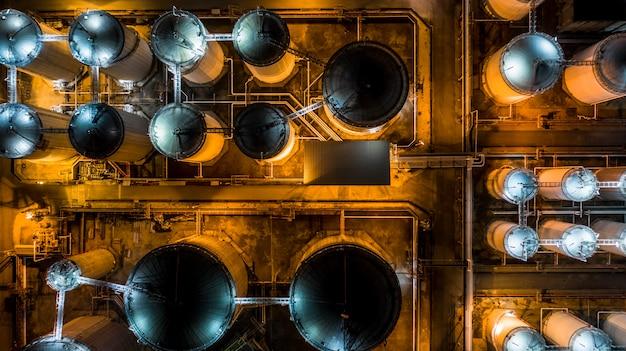 Цистерна с жидкими химикатами, склад жидких химических и нефтехимических продуктов