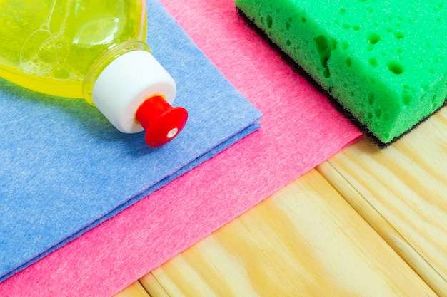Liquid detergent with pad and towels for harvesting on wooden boards