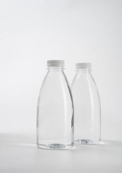 空のプラスチック容器ボトルの液体製品
