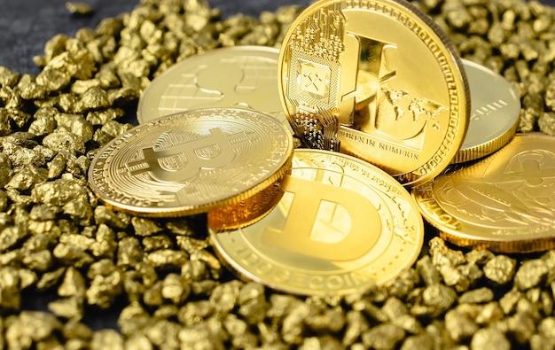 근접한 라이트코인 암호화폐, 근접한 전자 동전, 금 더미