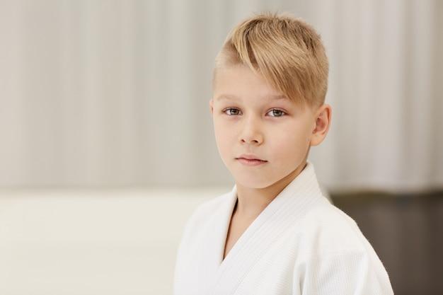 Маленький мальчик в кимоно