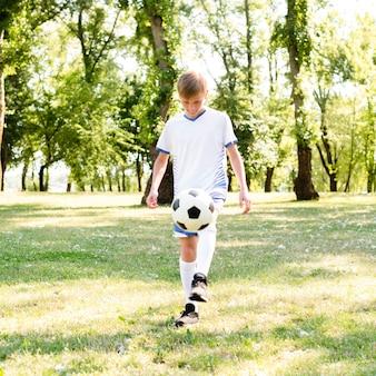 어린 소년 축구