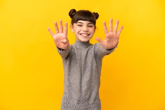 어린 백인 소녀 절연 손가락으로 9 세