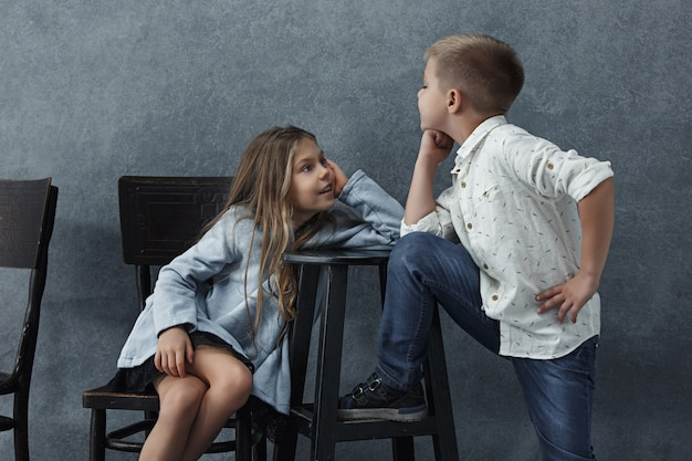 少女と灰色の少年