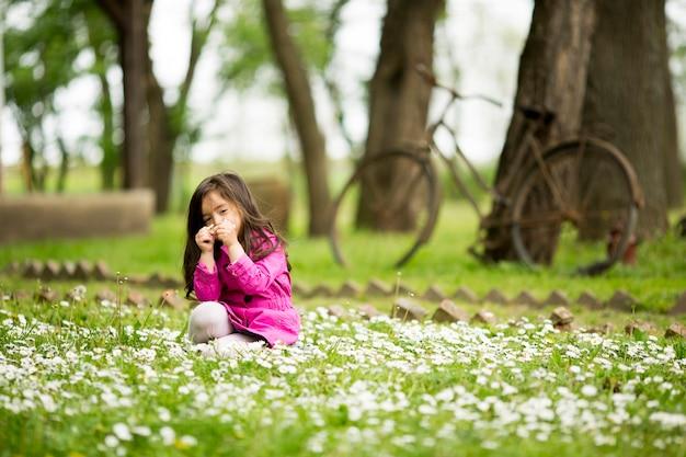 春の野の少女