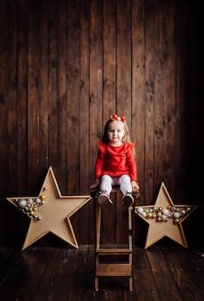 Маленькая девочка в студии