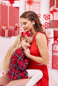 Bambina vicino a sua madre