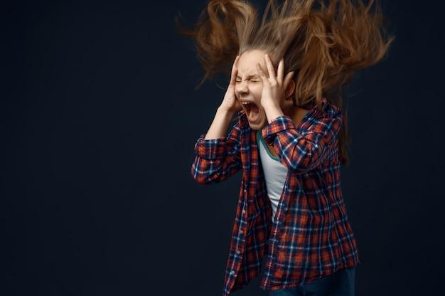 Little girl screams, developing hair effect