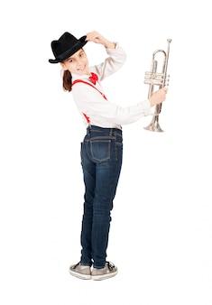 Маленькая девочка с трубой