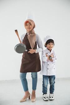 작은 꼬마 요리를 사랑