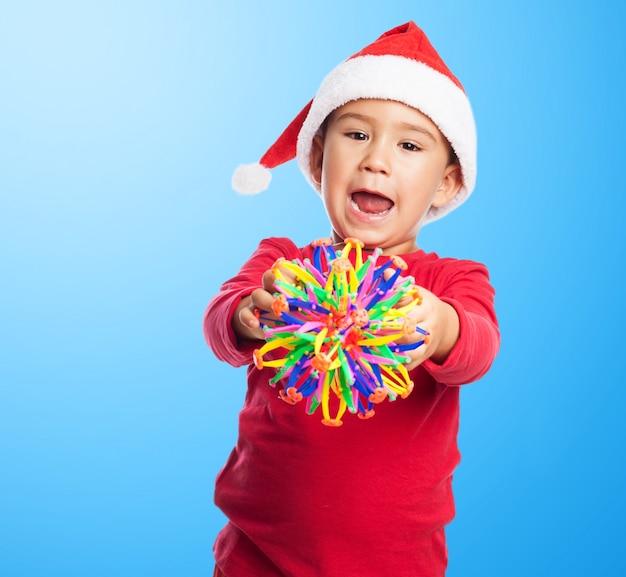 おもちゃと小さな子供