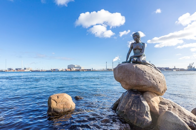 Little mermaid statue copenhagen