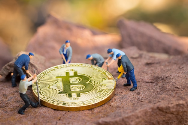 Little miner is digging bitcoin