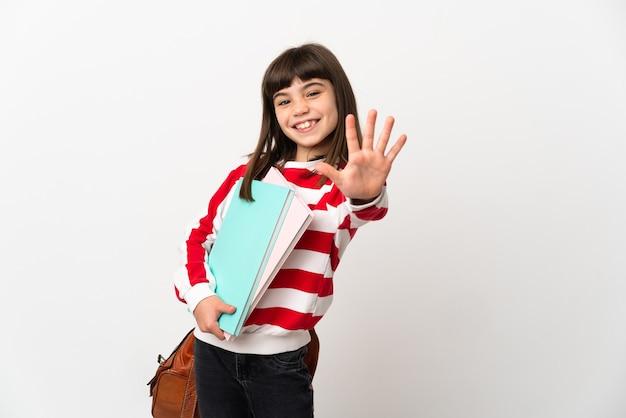 Маленькая девочка студента, изолированные на белом фоне, считая пять пальцами