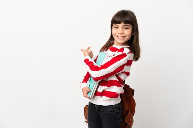 Маленькая девочка студента, изолированные на белом фоне, указывая назад