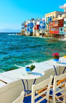 그리스 미코노스 섬의 리틀 베니스와 카페 테이블, 키클라데스