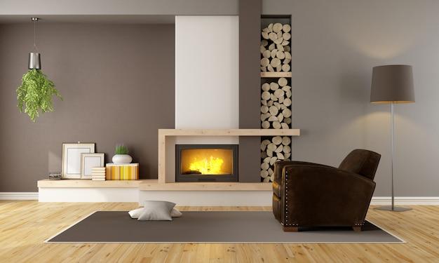 暖炉と革張りのアームチェア付きのリビングルーム