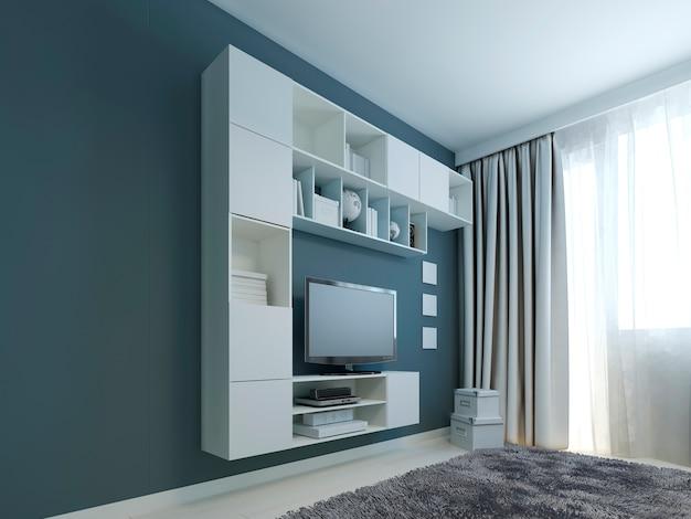Гостиная с трендом навесных шкафов из белых навесных шкафов и телевизора у окна, а стены окрашены в темно-синий цвет с серым шерстяным ковром.
