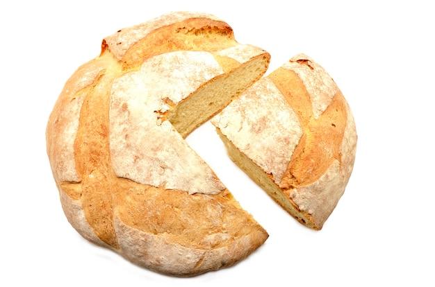 Буханка хлеба сломана