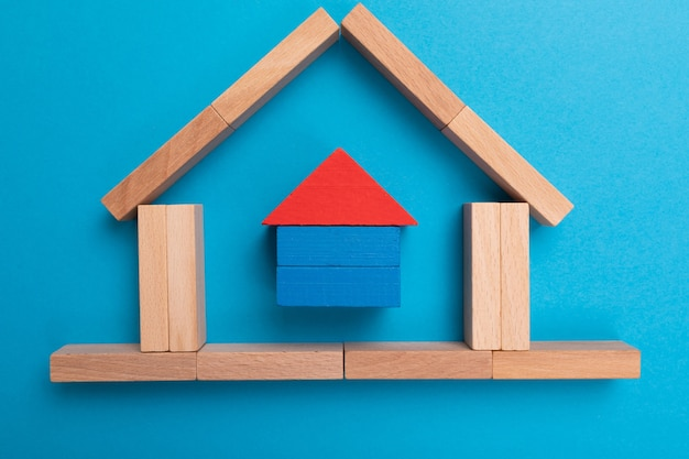 ローン、契約、債務および住宅投資の概念。投資家のためのローンおよび不動産契約の契約。