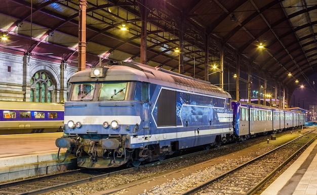 Local diesed train at strasbourg station
