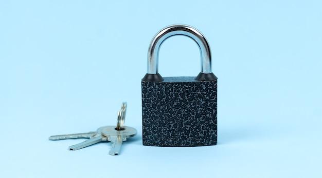 Замок и ключ как символ концепции безопасности