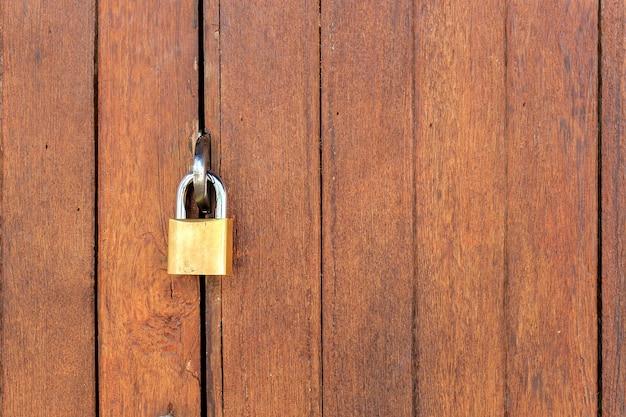 Заблокируйте классическую дверь с пространством для текста