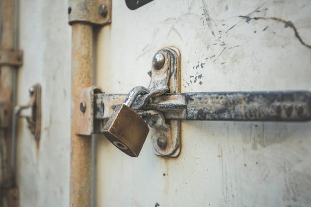 국제 운송 컨테이너를 위한 보관 컨테이너 씰의 잠금 걸쇠 및 자물쇠