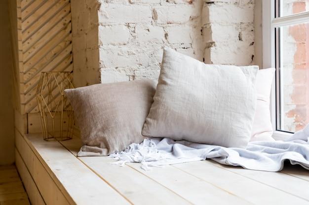 ロフトスタイルのベッドルームのインテリアデザイン